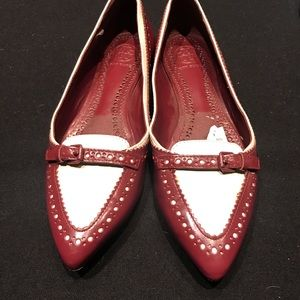 Pre owned Tory Burch shoes size 7.